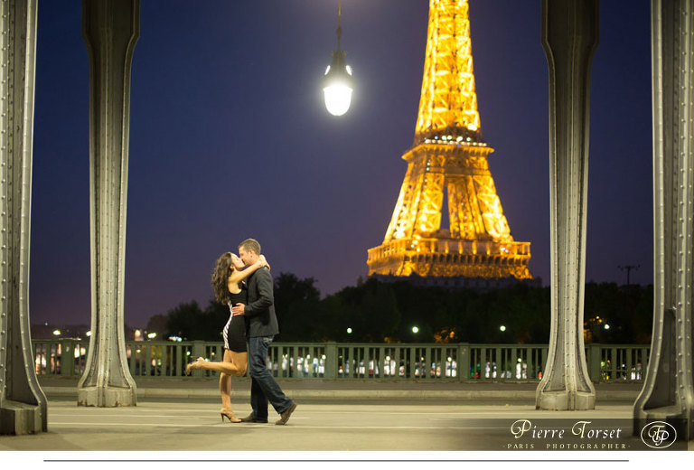 Engagement picture at Eiffel Tower by night