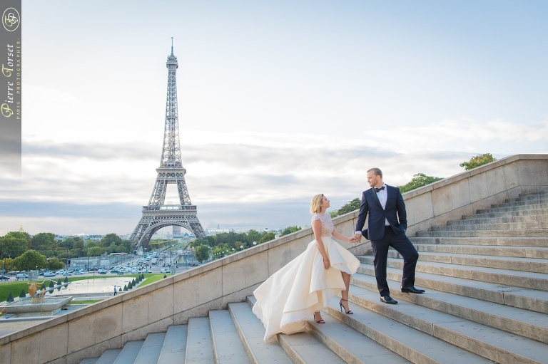 Elopement photo session at Eiffel Tower in Paris