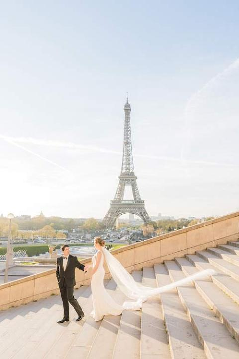 Paris wedding photo at Trocadero