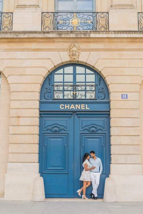 Couple Paris Chanel