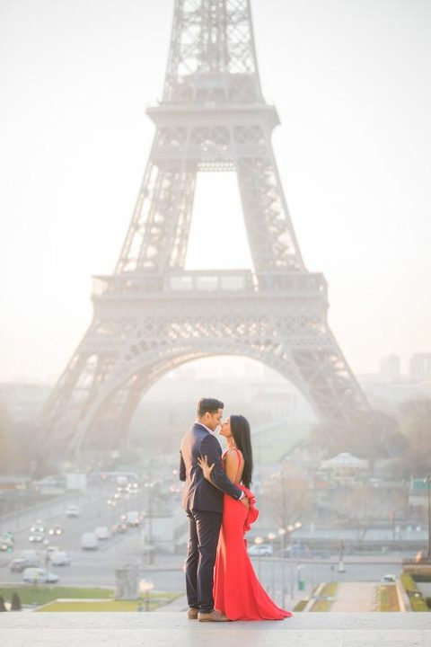 Couple Picture Eiffel Tower