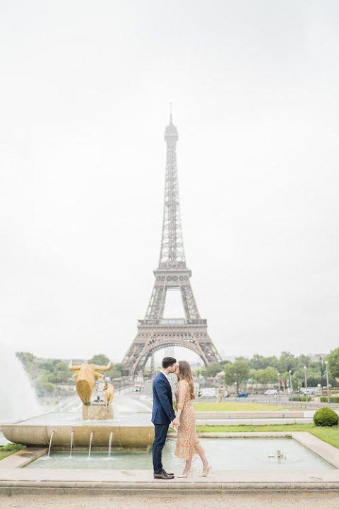 paris engagement photography eiffel tower