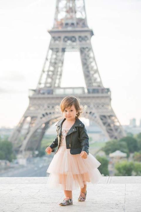 eiffel tower child portrait