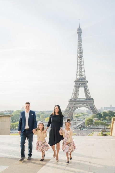 eiffel tower family photo session