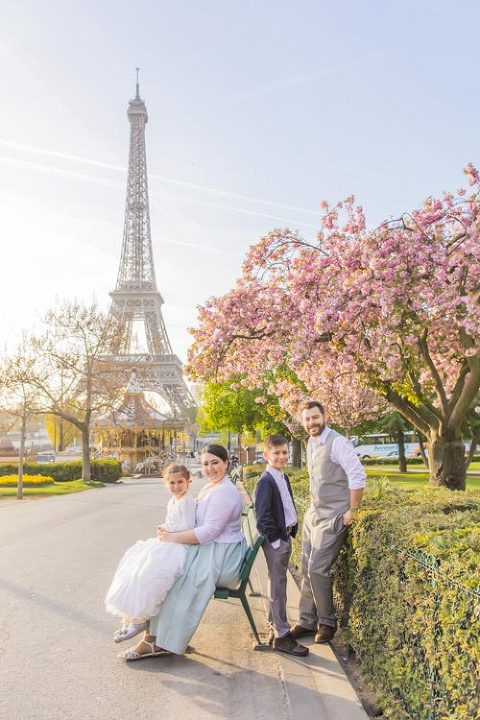 eiffel tower family photography