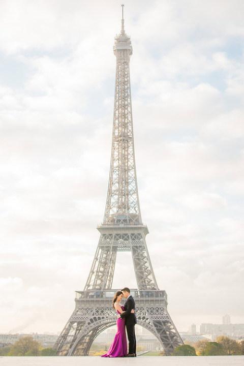 paris photographer eiffel tower