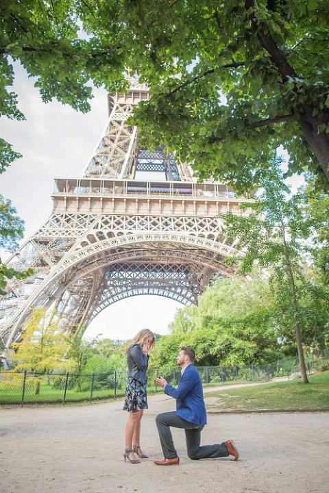 paris proposal under eiffel tower