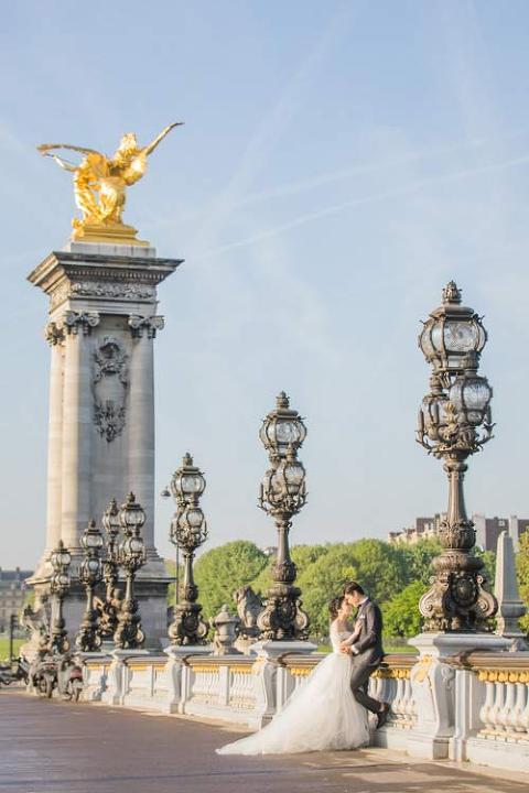 paris pre-wedding bridge