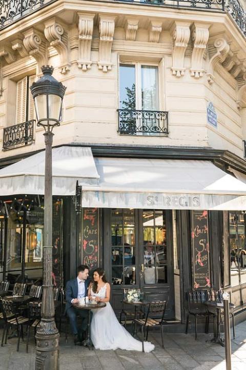 pre wedding paris cafe