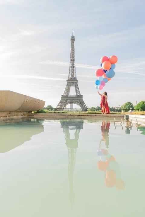 eiffel tower balloon photoshoot