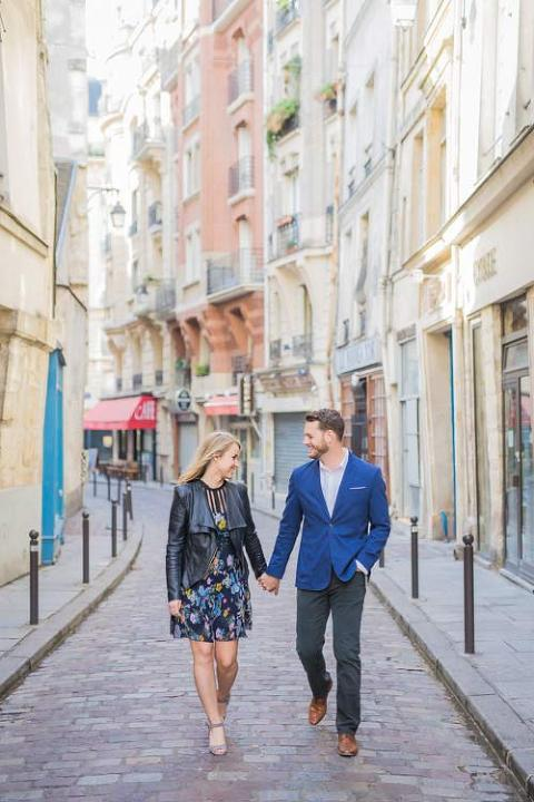 couple street paris photoshoot