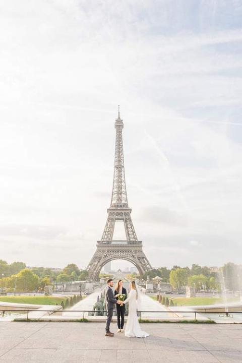 eiffel tower paris elopement
