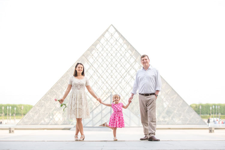 louvre family photo session