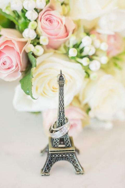 mini eiffel tower ring