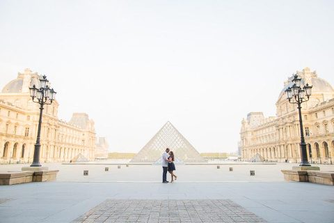 paris couple pyramid