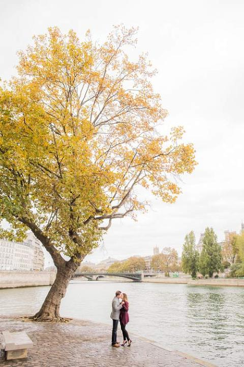 paris couple riverside