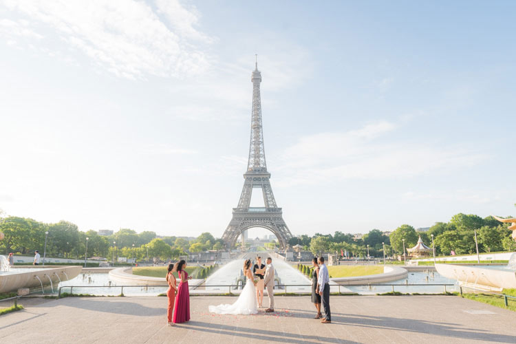 paris elopement eiffel tower view