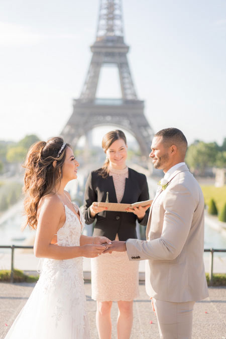 couple getting married paris