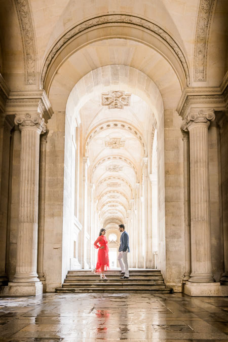 Couple photoshoot in Paris gallery / arch