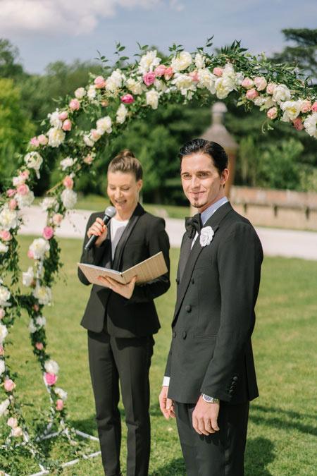 groom wedding chateau near paris