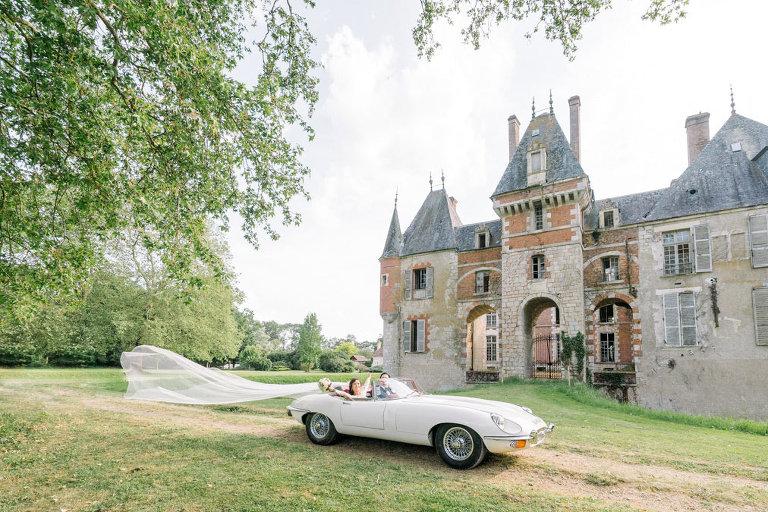 paris wedding chateau vintage-car