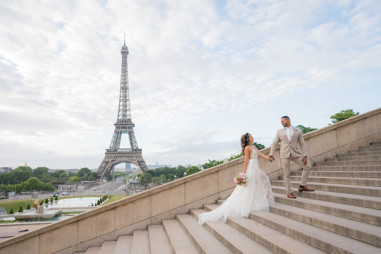 trocadero stairs eiffel tower wedding