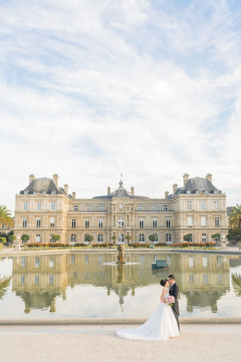 elopement paris in luxembourg garden