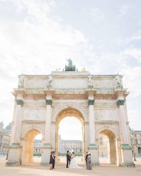 paris elopement ceremony arch