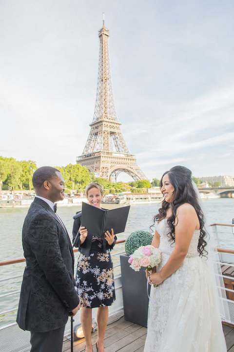 paris elopement eiffel tower boat