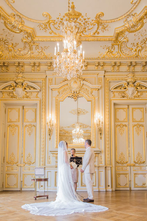 Wedding Paris elopement at Shangrila