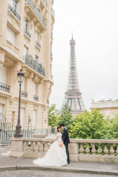 eiffel tower outdoor wedding