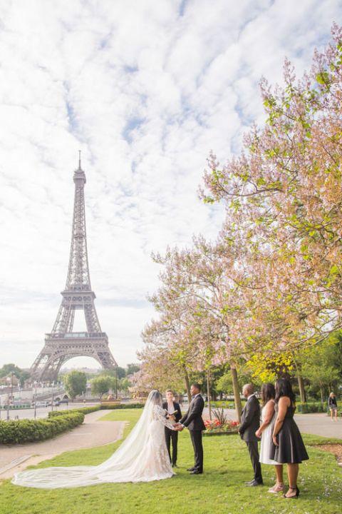 eiffel tower wedding garden
